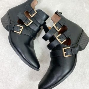 Soda Black Cut Out Buckle Pointed Toe Ankle Boots